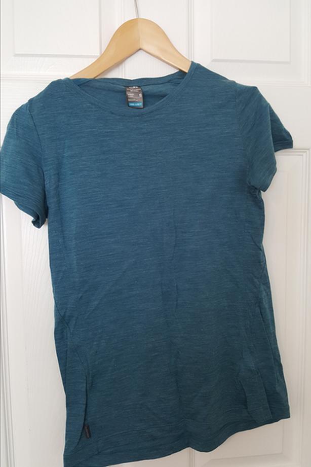 Ice breaker women's blue cool-lite merino t-shirt