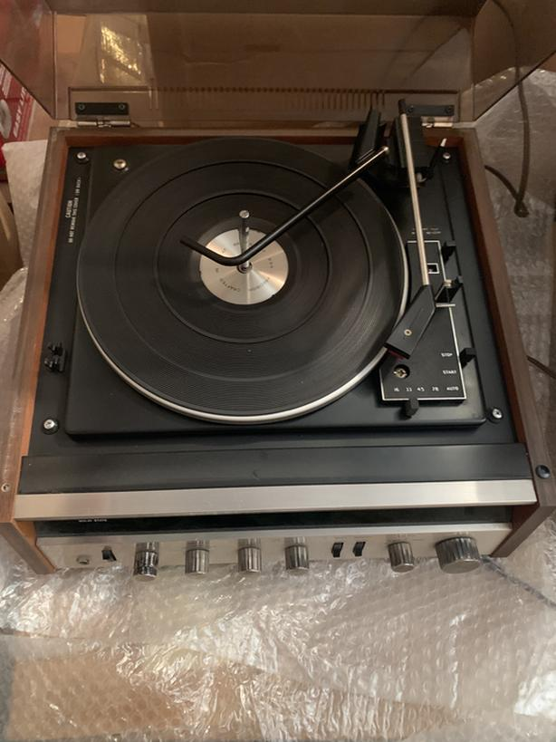 Record player/VHS/speakers