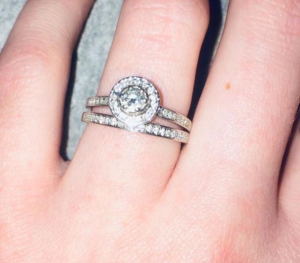 Angel's Halo multi-stone diamond ring set