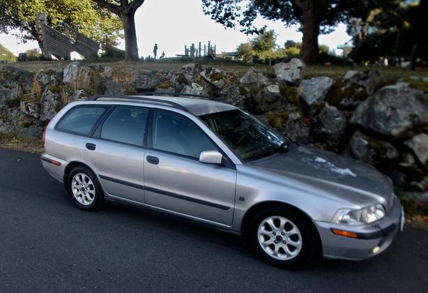 2002 Volvo V40 Wagon, 1.9T, 4cyl, Automatic, Versatile, Economical and Cute!