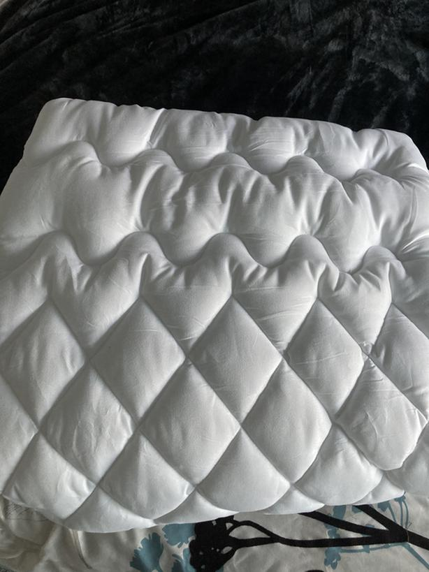 New quilted single mattress cover