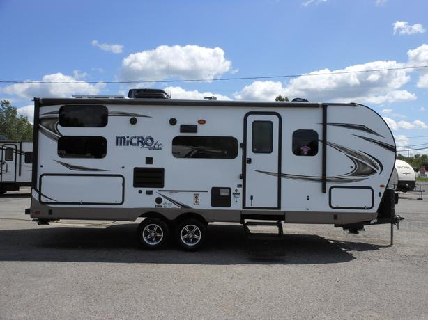 2019 Flagstaff Micro Lite 25BRDS Travel Trailer