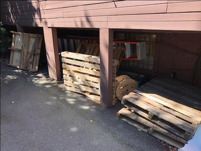 FREE: Wood Pallets Victoria City, Victoria - MOBILE