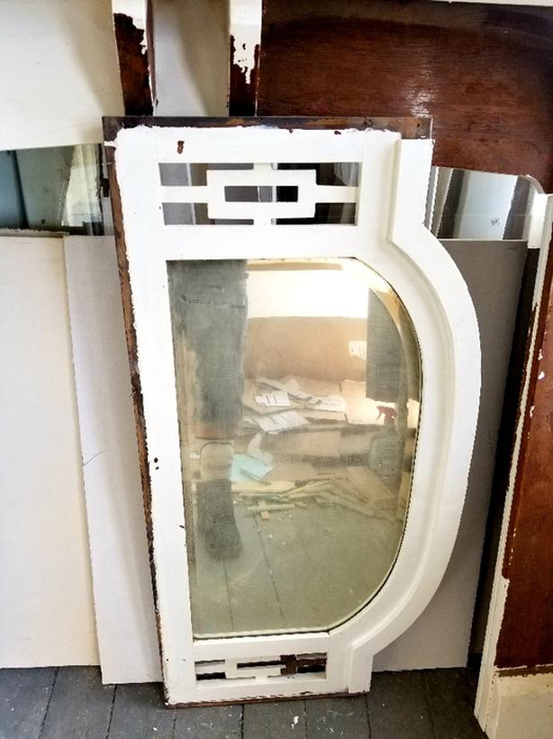 Fireplace Mantle w/ Mirror Top
