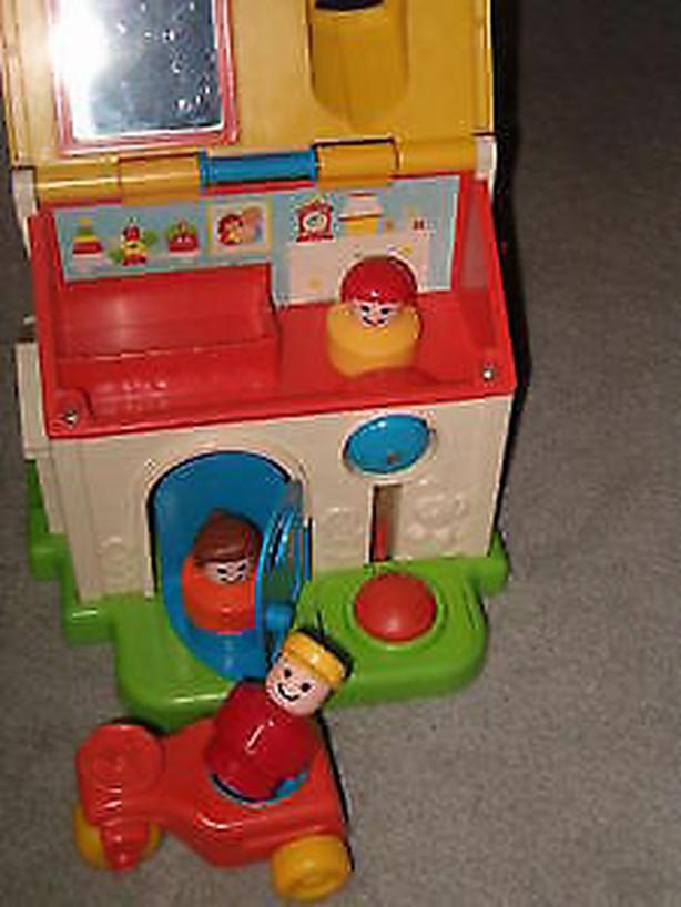 fisher price cottage house,1984-#136