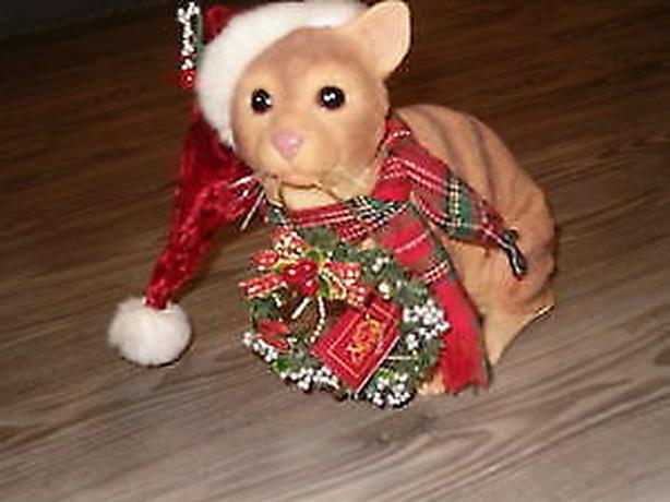 cat   figurine  ornament