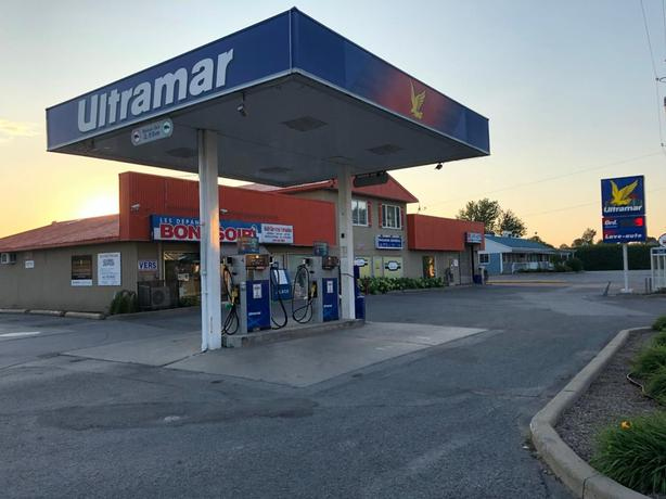 Ultramar service station, Convenience store and semi-commercial building