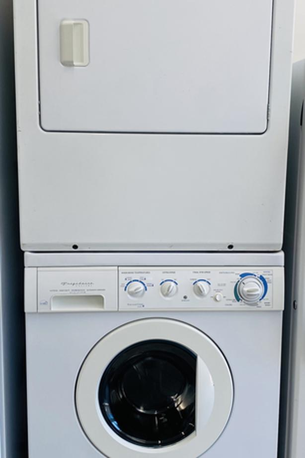 Frigidaire Gallery Frontload Washer & Dryer