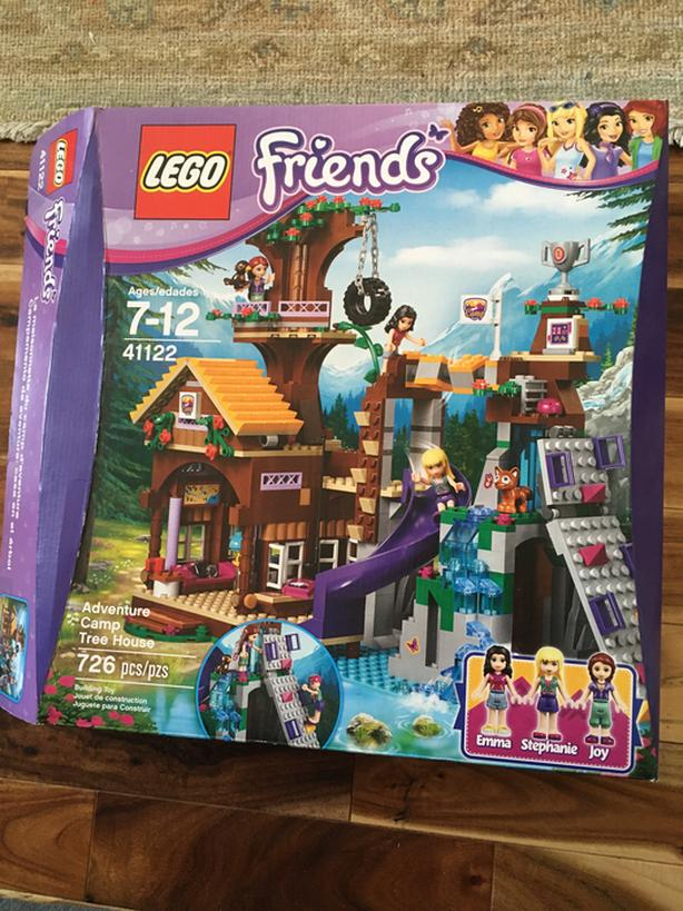 Lego Friends; Adventure Camp Treehouse