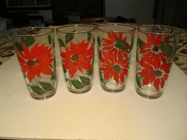 christmas 60's Poinsetta Flowers Decorated Drinking