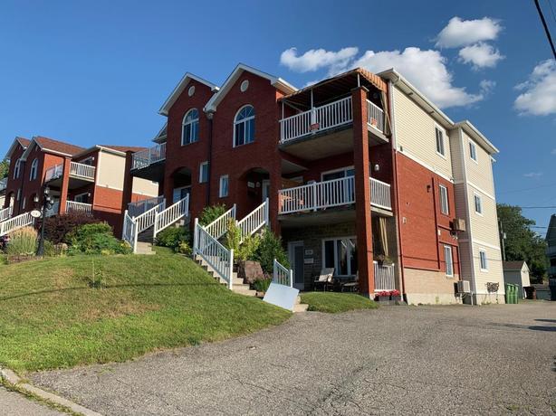 Guaranteed to fall in love ! 2 bedroom condo in Sherbrooke