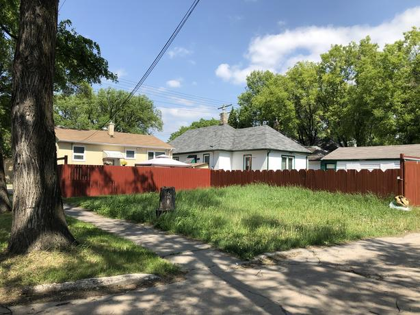 50 Foot Front Lot For Sale - Jennifer Queen