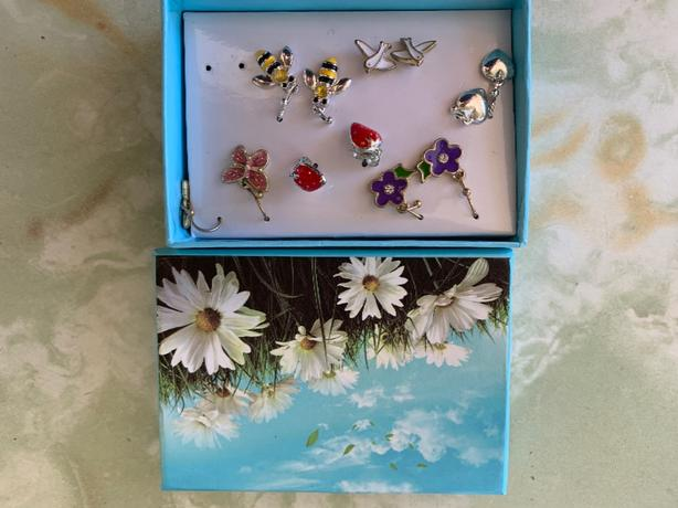 Avon jewellery set