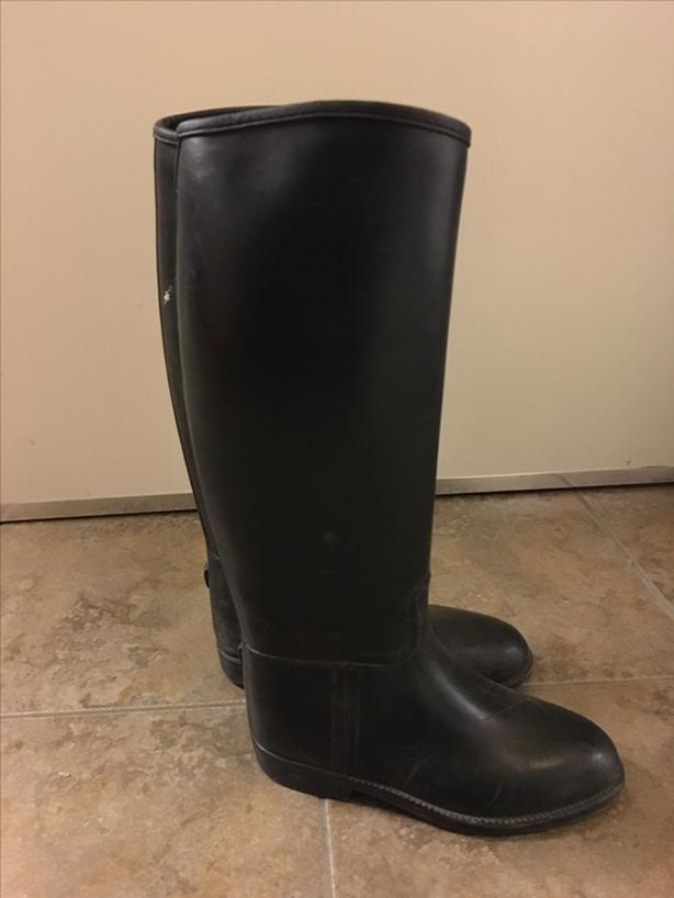 Youth Equestrian riding boots size 4