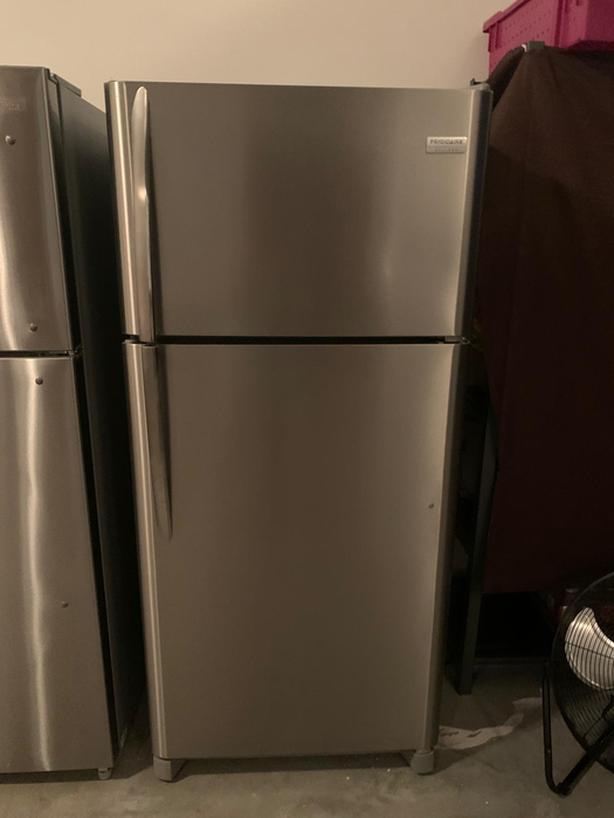 Frigidaire Fridge in mint condition for sale!