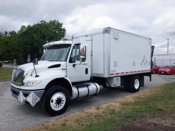 2014 International 4300 Cube Van 16 Foot Insulated Diesel With Powe Tailgate ,Ra