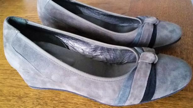 Made in Italy: Grey Suede Designer Dress Shoes Size 7 1/2, wide cut