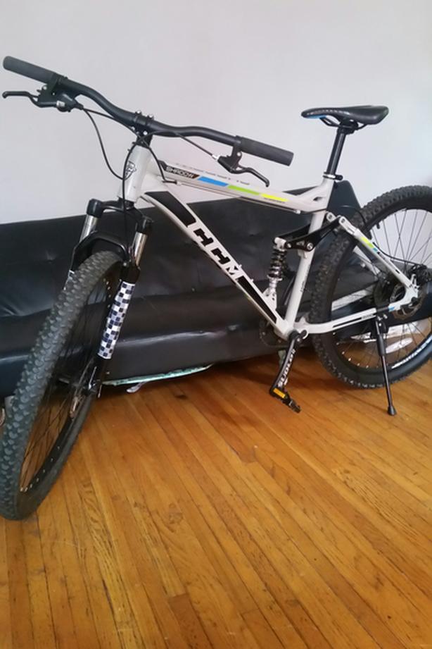 CCM Shadow mountain bike