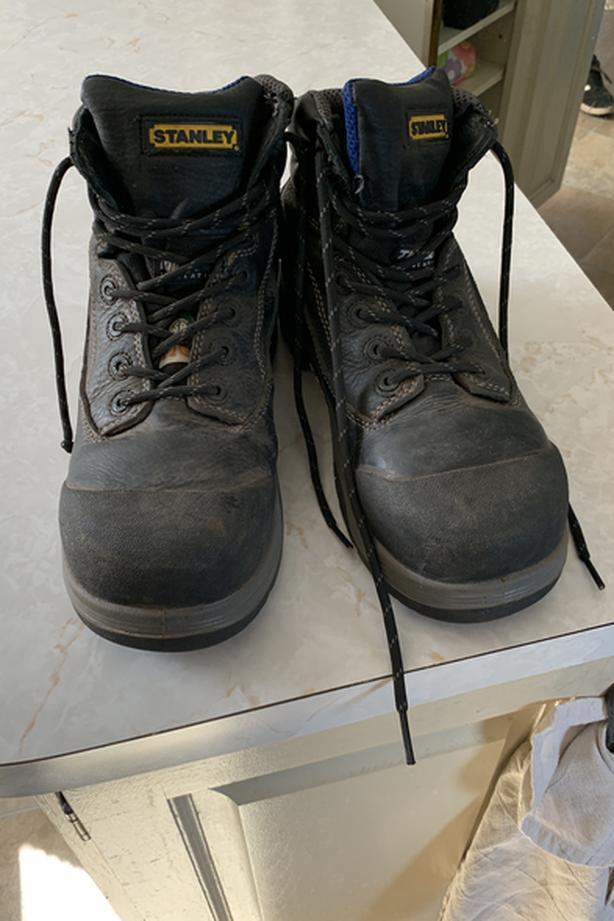 Stanley Steel Toe Work Boots (size 8 - great condition)