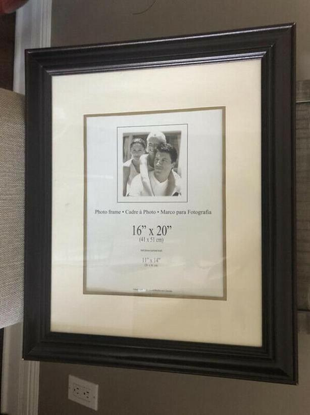 WALL HANGING PICTURE FRAME APPROX 16 X 20 OR 11 x 14 with BORDER