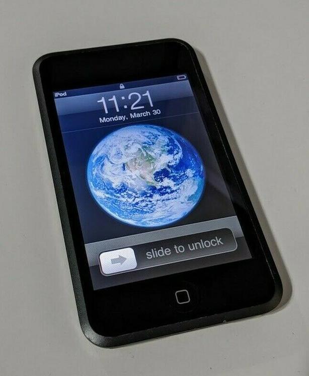 Apple iPod Touch 16GB MA 627C. Wi-Fi.