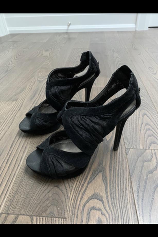 Le château mesh/lace heels