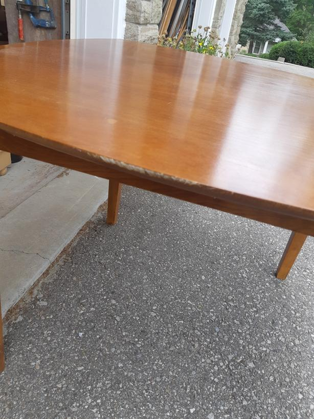 Kitchen table Located in Bolton for pick up