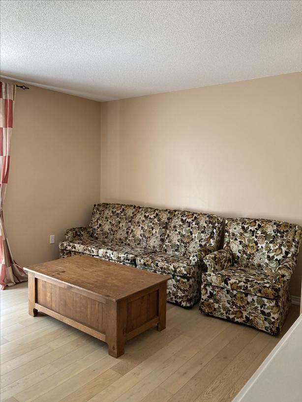 Guelph townhouse room rental