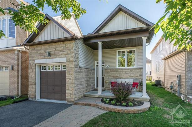 Immediately! Immaculate Barrhaven bungalow