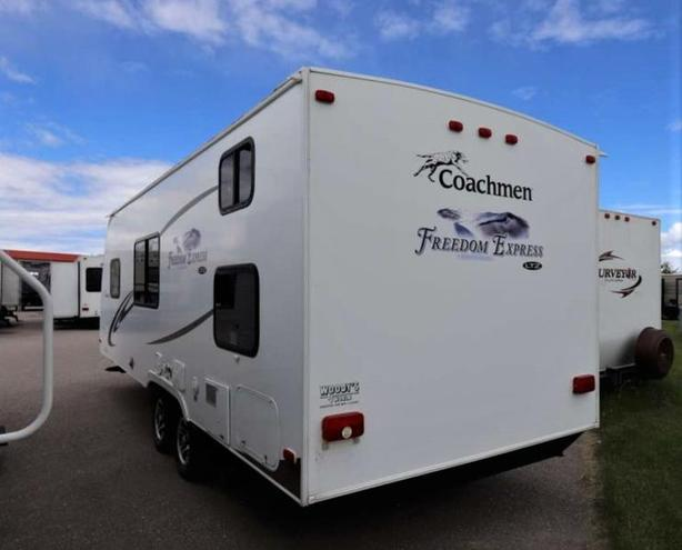 2011 Coachmen FREEDOM EXPRESS 230BH