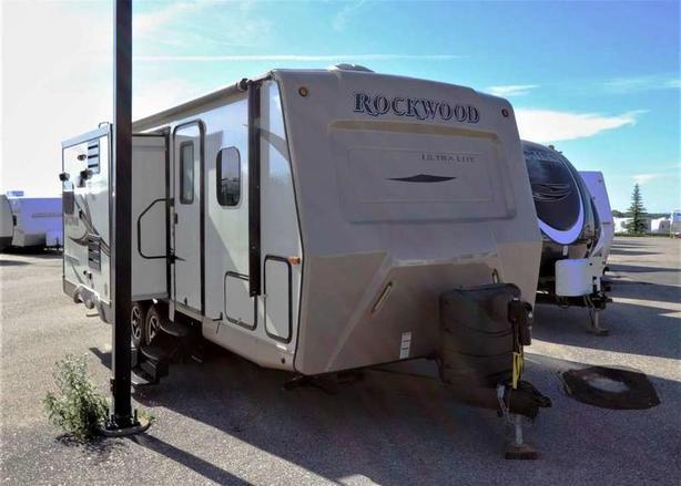 2016 Forest River ROCKWOOD 2304DS