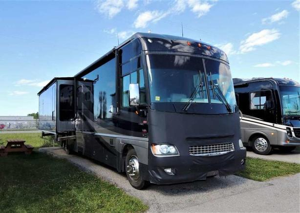 2007 Winnebago ADVENTURER 38T