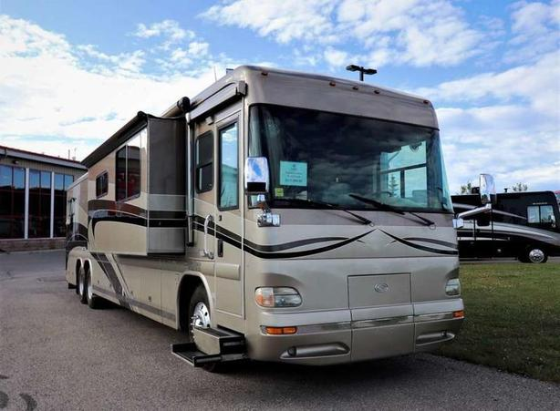 2005 COUNTRY COACH INTRIGUE 42