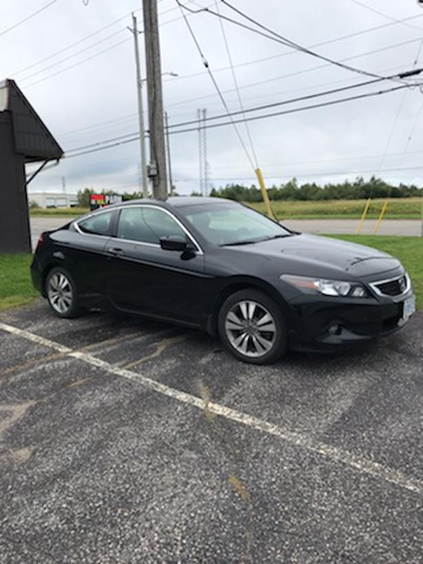 2009 Honda Accord EX - One Owner - Low km's