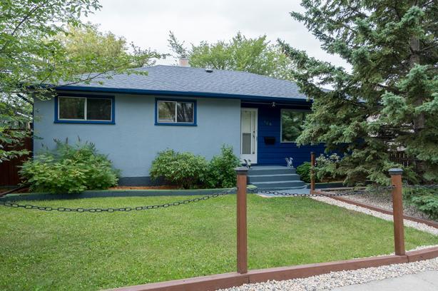 Three Bedroom Home in East Transcona - Jennifer Queen