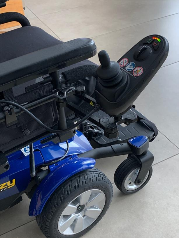 Electric Wheelchair - $2999 OBO - Pride Mobility Jazzy Select 6