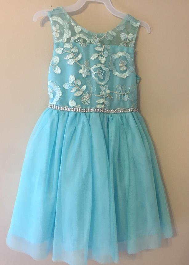 sleeveless children's dress