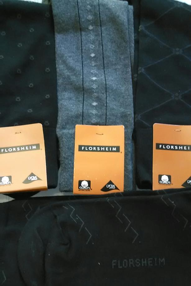 5 FLORSHEIM SOCKS