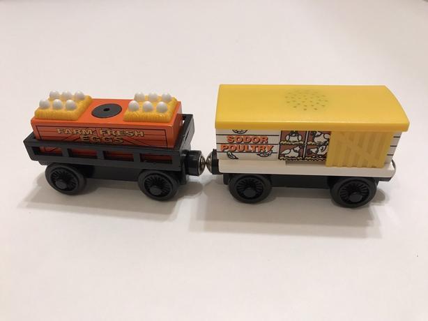 Thomas & friend train wooden chicken cars