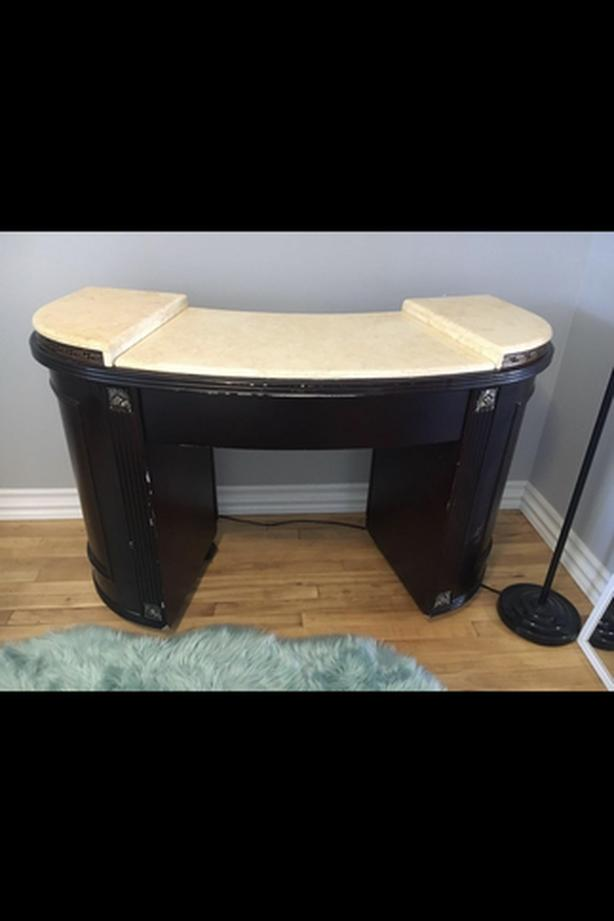 Mani Desk