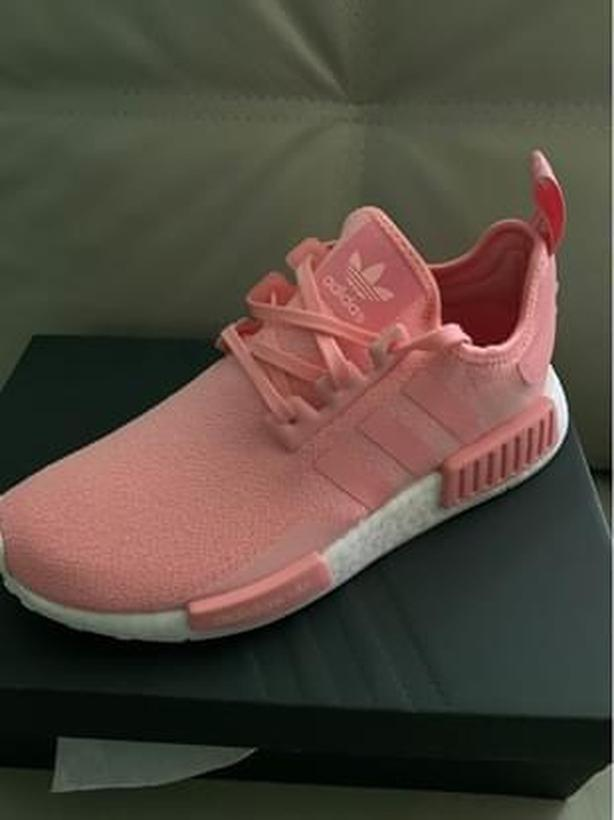 Ladies Size 7 NMD-R1