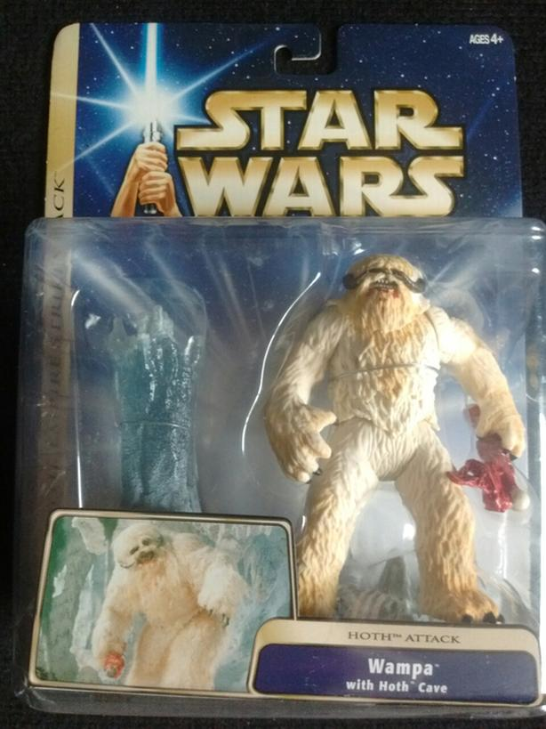2003 WAMPA WITH HOTH CAVE Action Figure
