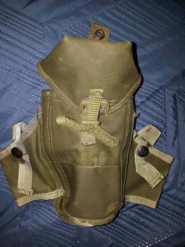 Green army pouch