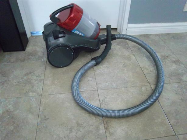 Bissell Cleanview II, bagless vacuum