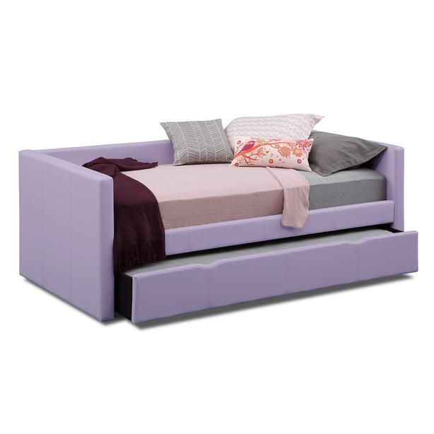 Daybed with pullout trundle