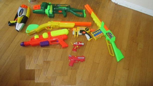 Various nerf guns