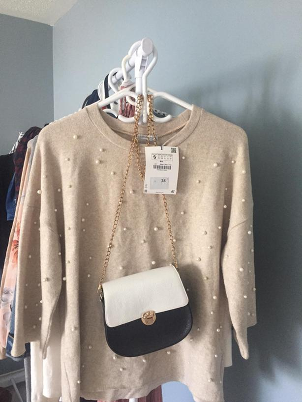 New Zara top (never used) small size with free purse