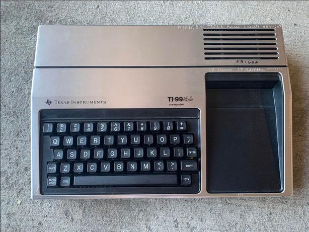 TEXAS INSTRUMENTS COMPUTER TI-99/4A (VINTAGE)