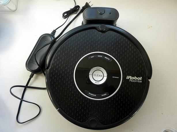 Automatic Roomba smart vacuum cleaning robot
