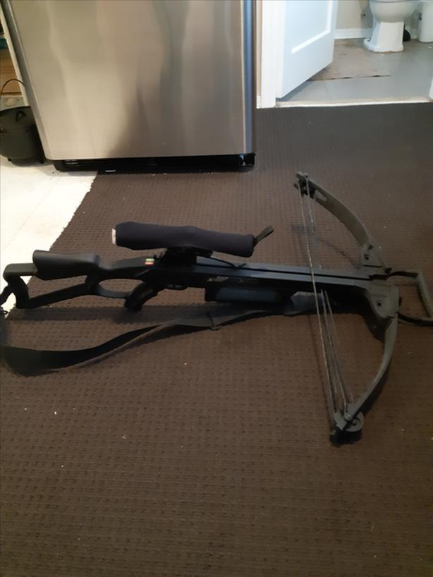 Crossbow. Carbon Express Xforce 350 w. Bag and scope cover